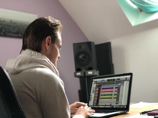 Aylesbury Vale Studio 4.jpg