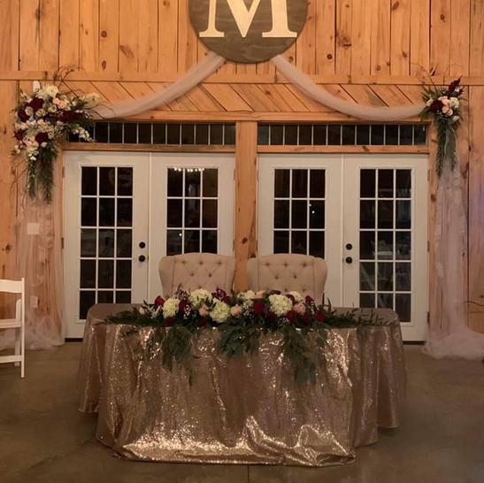 Cedar Ridge Barn Mr and Mrs Table