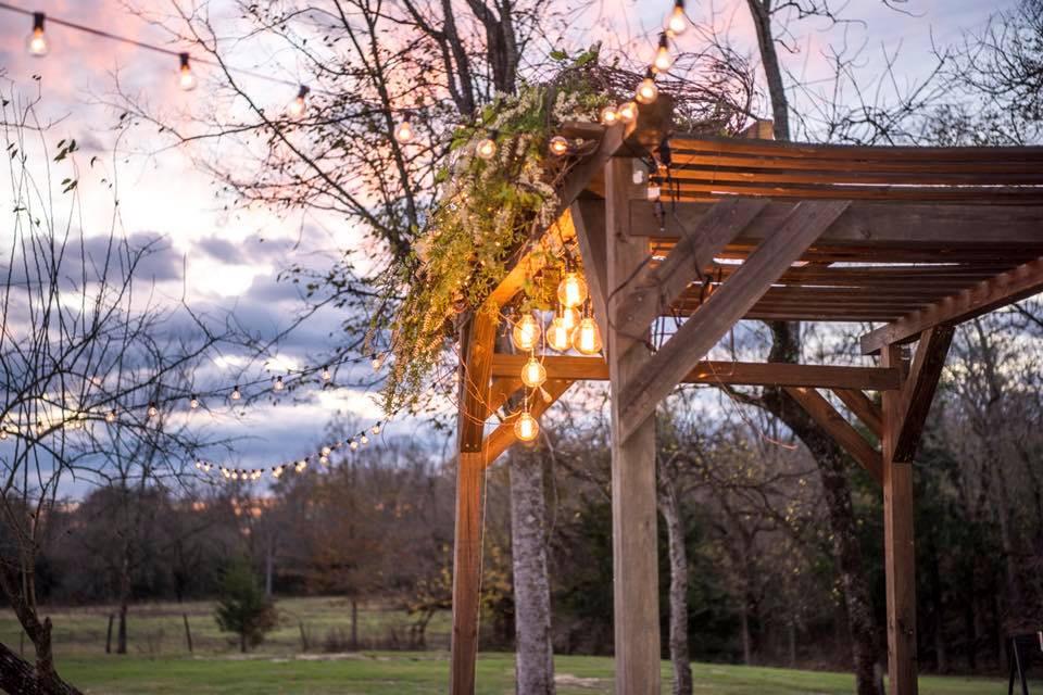 Cedar Ridge Wedding Arch