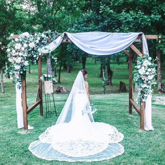 Cedar Ridge Barn Arch