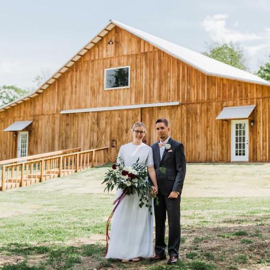 Cedar Ridge Barn Front