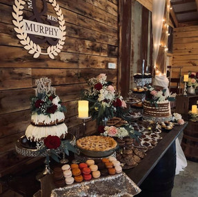 Cedar Ridge Barn Cake Table