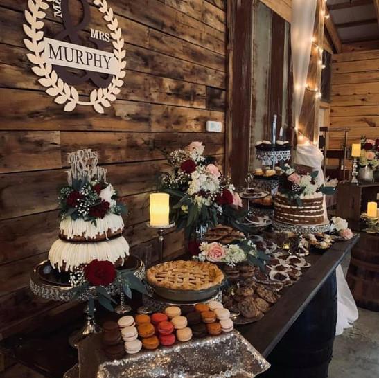 Cedar Ridge Barn Cake Table