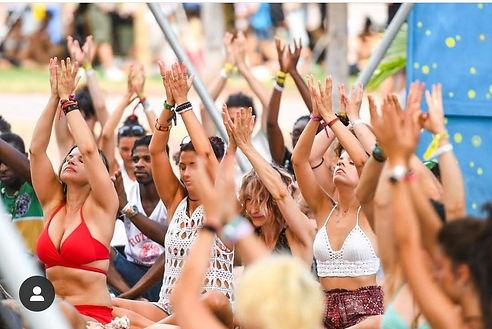 festival rototom raised hands.jpg