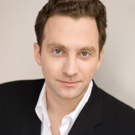 Graham Rowat as Clayl