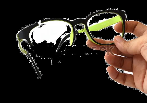 hand-holding-broken-eyeglasses-mistake-6