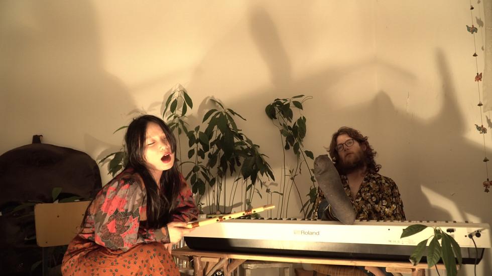 Koi Fish - Music band's live stream show for the event הזירה מציגה: עקרות בית נואשות- בין ייאוש