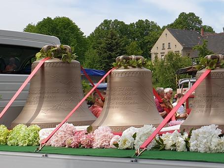 Glockenweihe in Niederwiera