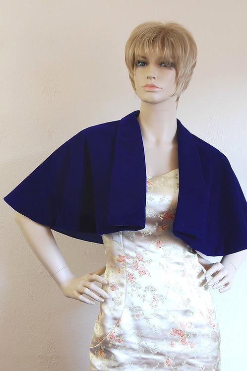 vintage style velvet cape with a collar
