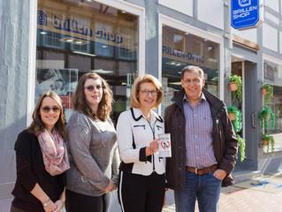 Glück gehabt - Brillen Shop Salzgitter überreicht Spende