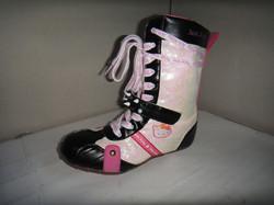 Hello Kitty iridescent boxer boots