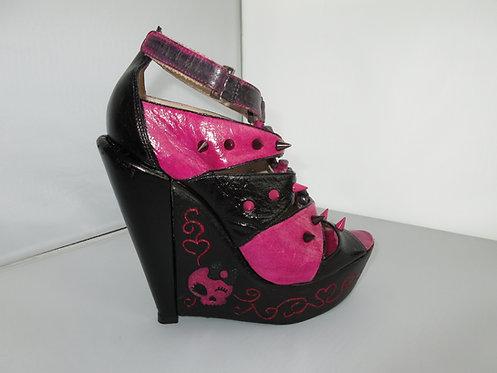 Pink & black leather skull wedges