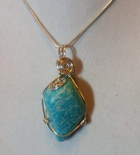 Apatite | Wire Wrapped Pendant | Jewelry