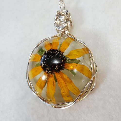 Black-eyed Susan | Large Round Wire Wrapped Pendant