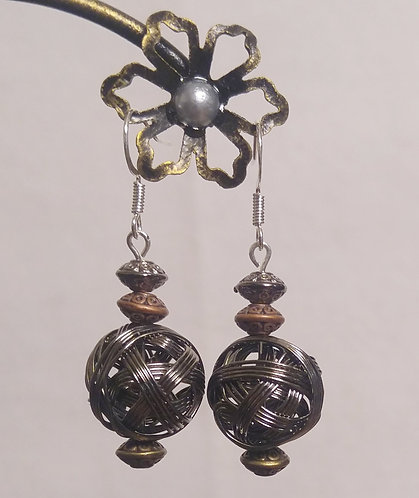 Silver wire wrapped ball earrings | Earrings | Jewelry 1