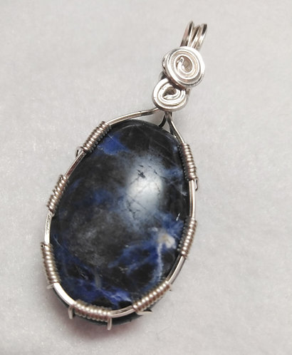 Sodalite | Oval Wire Wrapped Pendant