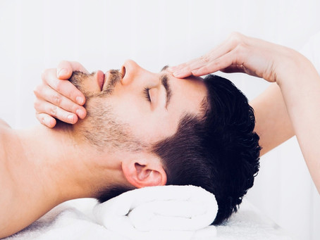 Facial Massage - 5 Surprising Benefits That Go Beyond Relaxation
