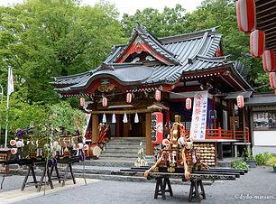 山中諏訪神社.jpg