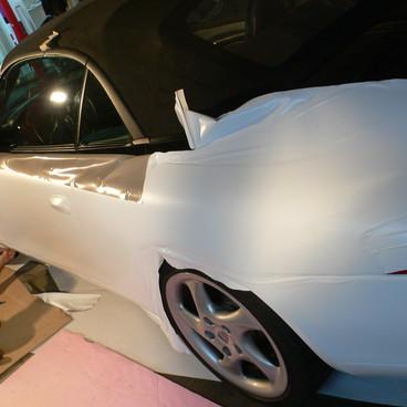 Carwrapping: Porsche von schwarz auf weiß