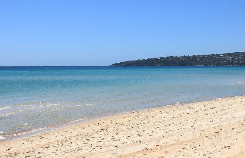 20 Safety beach on sunny day, Mornington