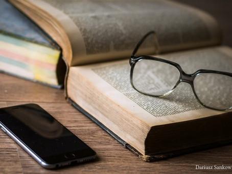 Bücher auf dem Handy lesen: Diese eine App für E-Books brauchst Du dafür!