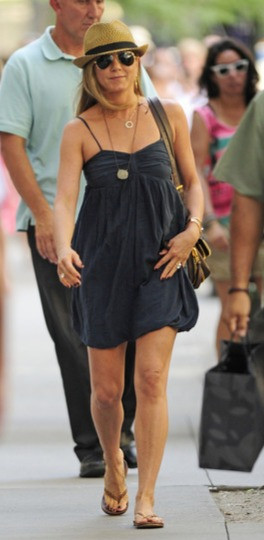 Actress Jennifer Aniston is well known for her casual and laid back style.