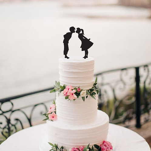 Boy and Girl Kissing - Cake Topper