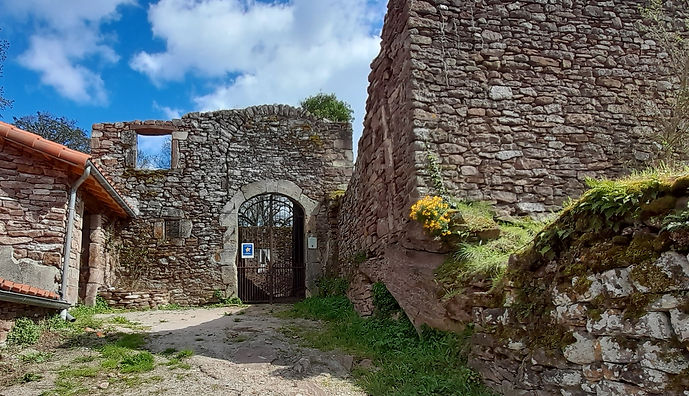 entrée chateau 2021.jpg