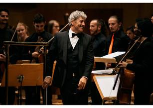 Al frente de la Orquesta Sinfónica de España