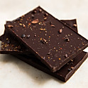Dark chocolate with chilli & cacao nibs