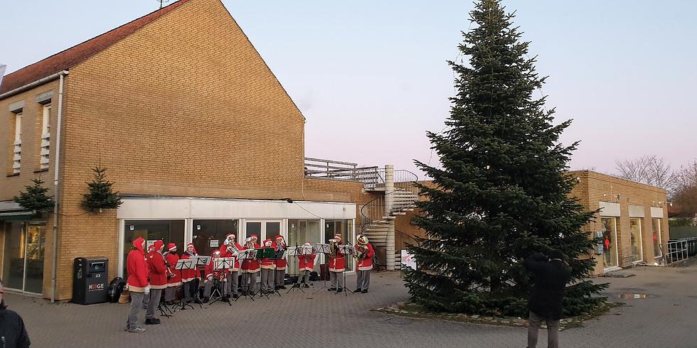 Juletræstænding i Borup
