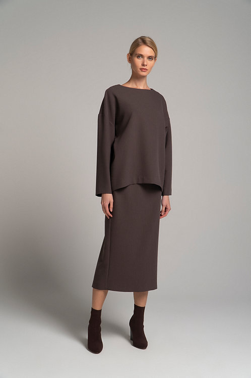 Костюм: юбка-карандаш и блуза свободного кроя