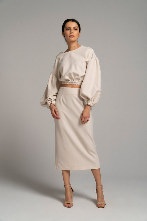 Блуза с объемным рукавом
