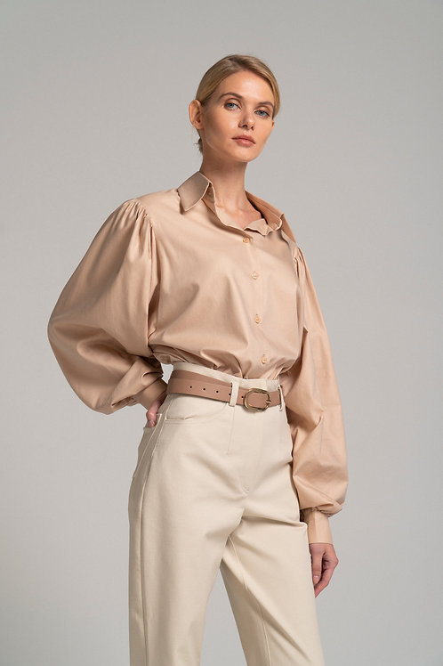 Shirt with volume sleeve