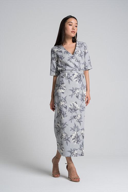 Платье на запахе и с принтом