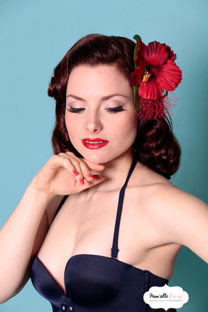 Modèle: Caprice Burlesque Navy Pin-up Photo Mam'zelle Pin-up PAris