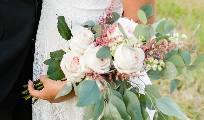 MSP_CoffeyWedding_842 (2)flowers.jpg