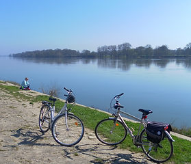 loire valley cycling holidays  2