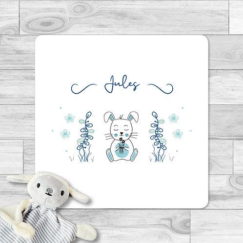 """Faire-part de naissance """"Mini lapin"""" pour bébé garçon. Le lapin réalisé à l'aquarelle, plantes, fleurs, rose, violet."""