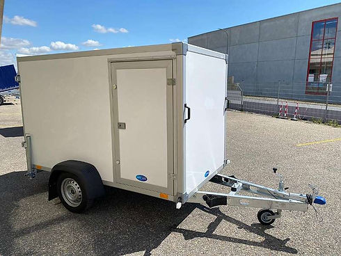 Leichter Koffer 750 mit Seitentüre.jpg