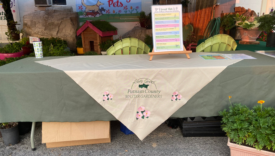 Stop by our table for nightly discussions with our Master Gardeners on a broad range of topics.