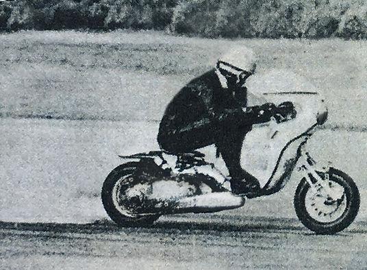 Lambretta Elaborata Ancillotti guidata da Alberto mentre segna i record del mondo ad Elvington ed a Monza 65 e 66