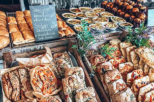 Fresh-bread-for-sale-at-Noordermarkt-Ams