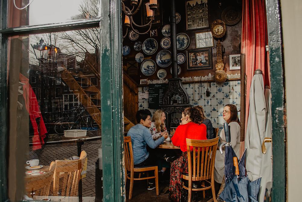 cafe-papeneiland-amsterdam-jordaan-neighbourhood