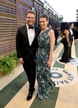 Seth-Rogen-showed-up-his-wife-Lauren-Miller.jpg