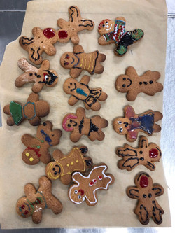 Gingerbread biscuit family
