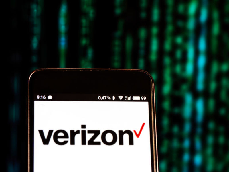 """Verizon charges new """"spam"""" fee for texts sent from teachers to students - Read More from Ars Technica"""
