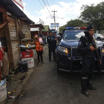 Nicaragua talks on crisis begin, dozens of prisoners freed