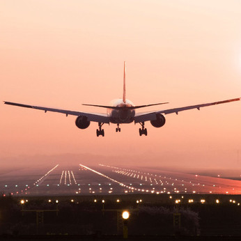 US bans lithium batteries from cargo holds on passenger flights