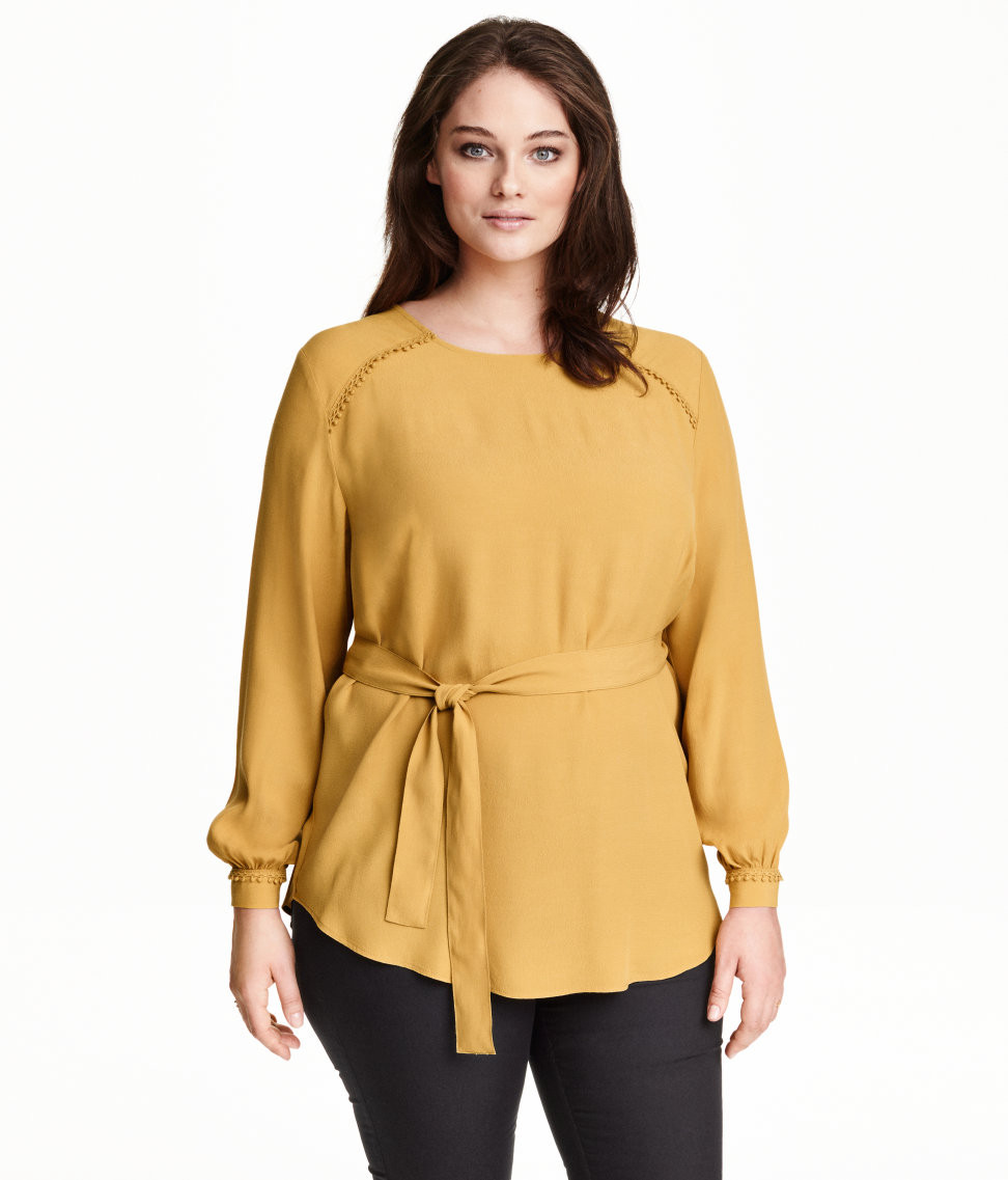H&M blouse with tie belt $34.99